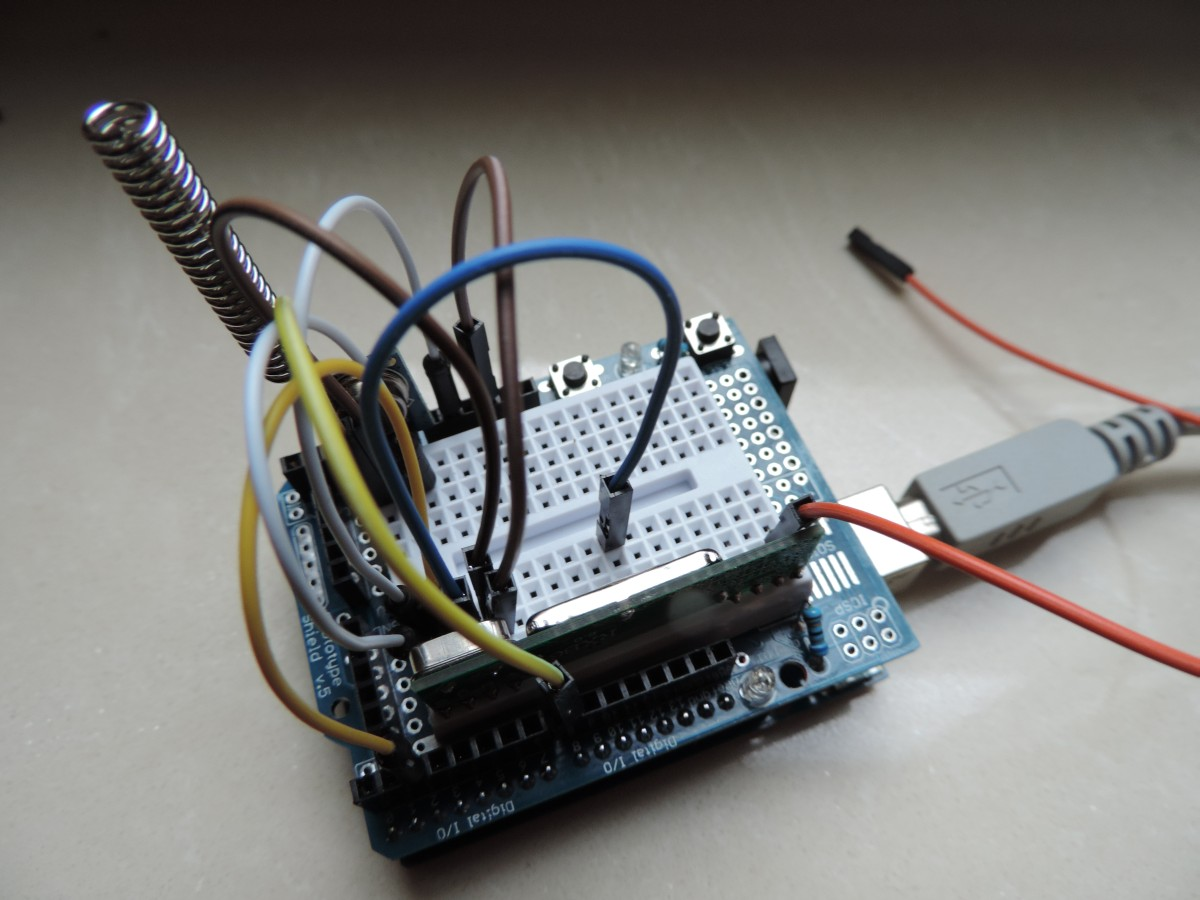 Hardware Guide Smart Home Sensors Use Electrical Wiring As An Antenna In The Picture Above You See Arduino Gateway Arduin Uno With Prototype Board A Transmitter And Receiver One Orange Wire